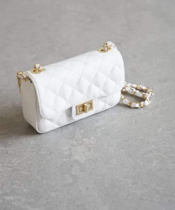 La boutique BonBon(ラブティックボンボン) 【AULENTTI(オウレンティ)】 チェーンバッグ