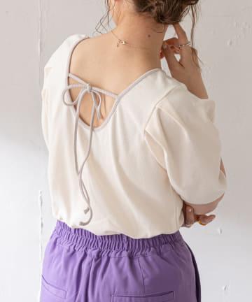 Discoat(ディスコート) パイピング後ろリボンパフスリーブTシャツ