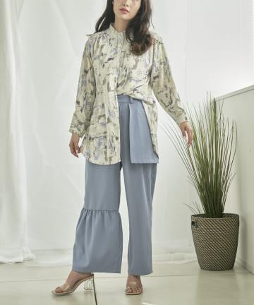 mona Belinda(モナ ベリンダ) ニュアンスプリントバンドカラーシャツ