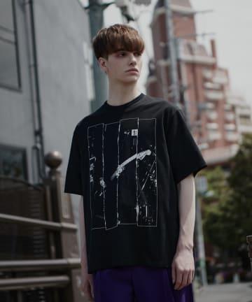 Lui's(ルイス) 【LAD MUSICIAN×Lui's】 フラッグ柄ビッグシルエットTシャツ