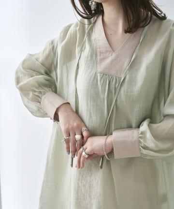 mona Belinda(モナ ベリンダ) 《期間限定タイムセール》配色袖ボリュームブラウス