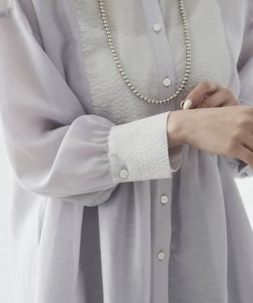 mona Belinda(モナ ベリンダ) 《WEB限定》ウェーブブザムシアーシャツ