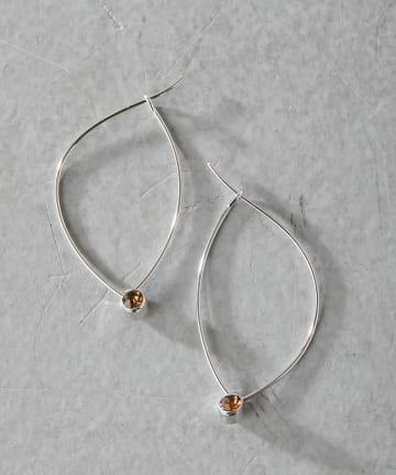 ear PAPILLONNER(イア パピヨネ) (WEB限定カラー:ホワイト)マーキスフープピアス