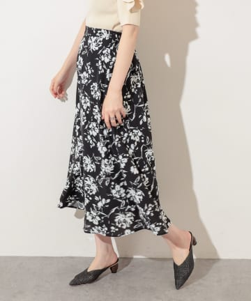natural couture(ナチュラルクチュール) 単色花柄スカート
