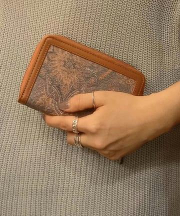 Pal collection(パルコレクション) 【BEAURE】《このサイズ感!》ペイズリー柄ラウンドジップ財布