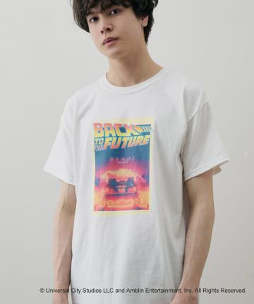 Discoat(ディスコート) 【ユニセックスで着用可能】レトロムービープリントTシャツ