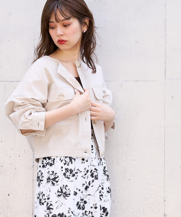 natural couture(ナチュラルクチュール) 綿麻ノーカラーショートブルゾン