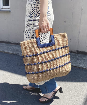 natural couture(ナチュラルクチュール) 木手ハンドル玉編みトートバッグ