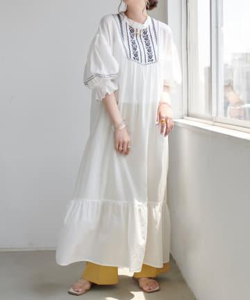 Discoat(ディスコート) 刺繍ワンピース