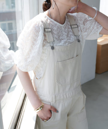 Discoat(ディスコート) 刺繍花柄レースブラウス