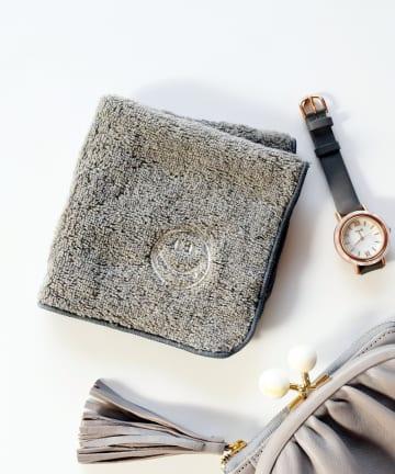 BIRTHDAY BAR(バースデイバー) スマイル刺繍 タオルハンカチ