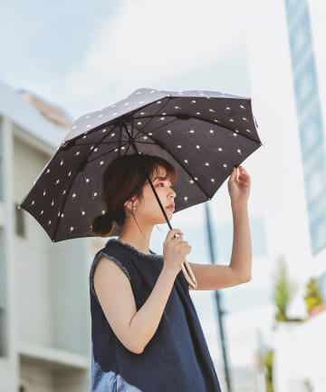 natural couture(ナチュラルクチュール) お花刺繍(晴雨兼用)傘