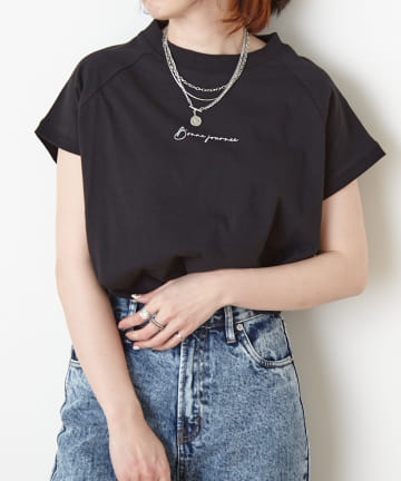 NICE CLAUP OUTLET(ナイスクラップ アウトレット) モックネックロゴTシャツ