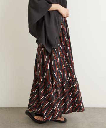 Lui's(ルイス) ランダムストライププリントティアードスカート