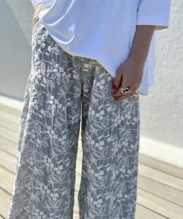 BEARDSLEY(ビアズリー) 刺繍バギーパンツ
