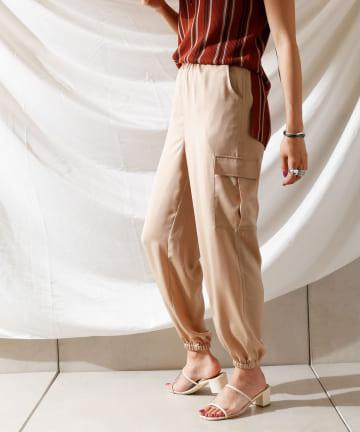 Thevon(ゼヴォン) 裾絞りカーゴパンツ