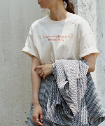 Kastane(カスタネ) カラー刺繍小ロゴTee
