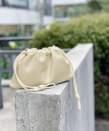 un dix cors(アンディコール) 【小さめサイズが丁度良い】ミニギャザー巾着バッグ