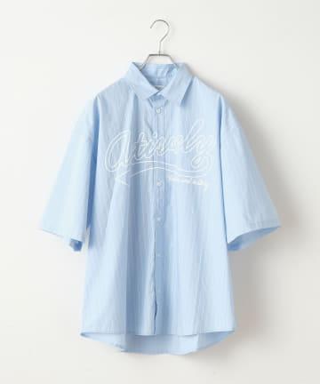 Discoat(ディスコート) ロゴプリントストライプ半袖シャツ