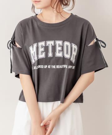 OLIVE des OLIVE(オリーブ デ オリーブ) 肩あきカレッジプリントTシャツ