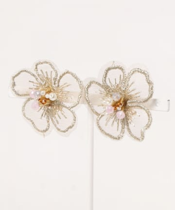 natural couture(ナチュラルクチュール) 刺繍フラワーイヤリング