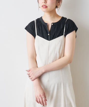 natural couture(ナチュラルクチュール) 【WEB限定】パール釦繊細レースブラウス