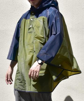 3COINS(スリーコインズ) 【Enjoy Rainy Days】巾着付き切り替えレインポンチョ