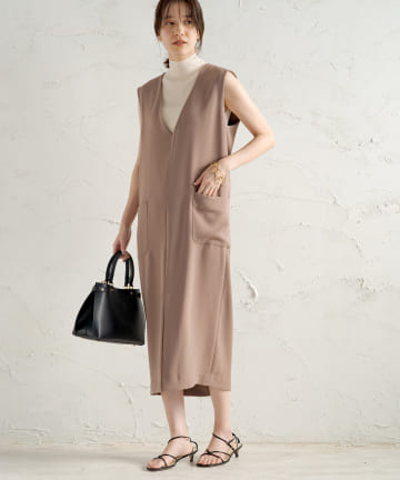 OUTLET(アウトレット) 【Loungedress】Vネックワンピース