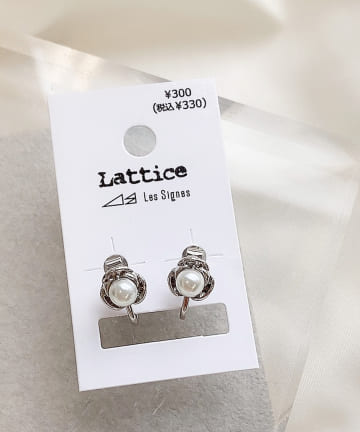 Lattice(ラティス) パールカメリアイヤリング
