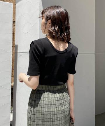 CAPRICIEUX LE'MAGE(カプリシュレマージュ) 〈新色追加 /ブラウン〉肩タックリブTシャツ