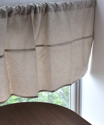 3COINS(スリーコインズ) 【機能性で選ぶ】遮光切り替えカフェカーテン