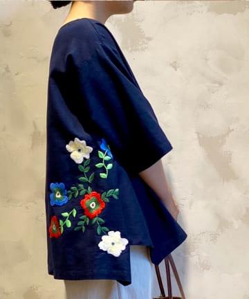BEARDSLEY(ビアズリー) 裾花刺繍ブラウス