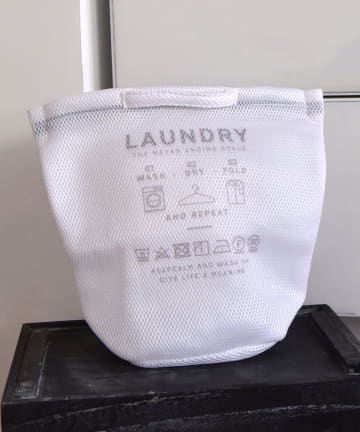 3COINS(スリーコインズ) 【お洗濯をより快適に】2ポケットランドリーネット