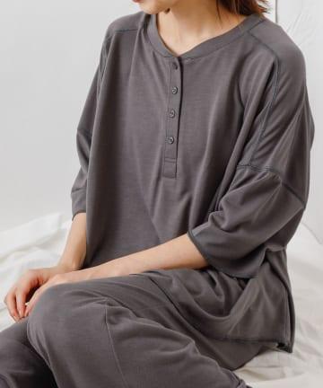 COLONY 2139(コロニー トゥーワンスリーナイン) アボカドオイルヘンリーネック半袖Tシャツ/ルームウェア (セットアップ可)