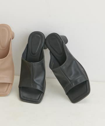 natural couture(ナチュラルクチュール) スクエアトゥストレッチサンダル