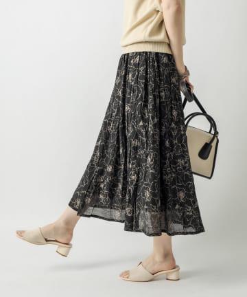 un dix cors(アンディコール) 【ふわっと広がるフェミニンなシルエット】線タッチフラワーギャザースカート