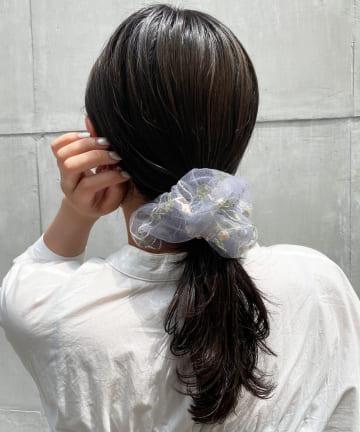 Lattice(ラティス) 刺繍フラワービッグシュシュ