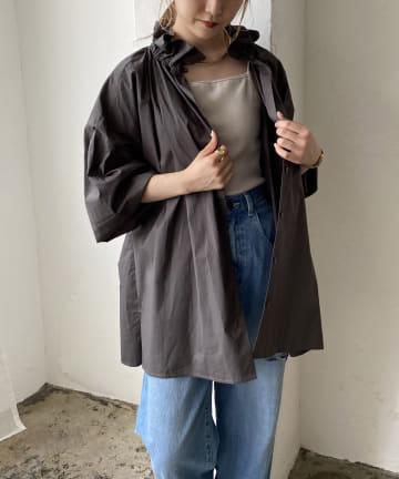 CAPRICIEUX LE'MAGE(カプリシュレマージュ) フリルスタンドカラーシャツ