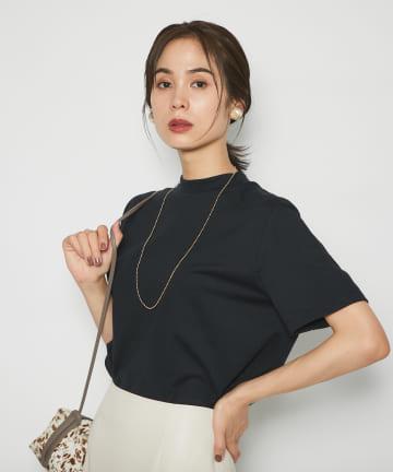 La boutique BonBon(ラブティックボンボン) 【ネックラインがきれいめを印象づける】モックネックTシャツ
