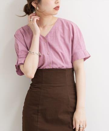 natural couture(ナチュラルクチュール) バー釦袖タックブラウス