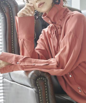 mona Belinda(モナ ベリンダ) 《WEB限定》2WAYネックシャツ
