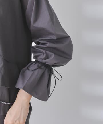 mona Belinda(モナ ベリンダ) 【動画付き】袖異素材切替フリルフォトプルオーバー