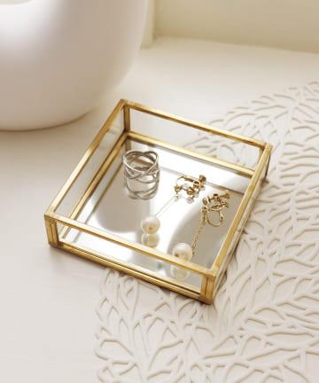 3COINS(スリーコインズ) 【いつものお部屋を華やかに】真鍮ガラストレー:スクエア