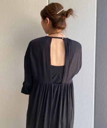 SHENERY(シーナリー) 背中開きギャザードレス