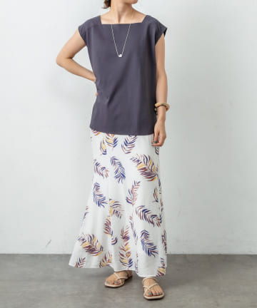 Omekashi(オメカシ) スクエアフレンチTシャツ