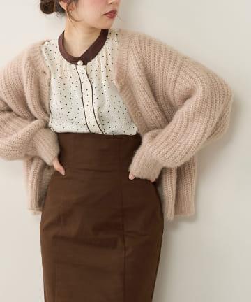 natural couture(ナチュラルクチュール) パール釦ポイントバイカラーフレア5分袖ブラウス