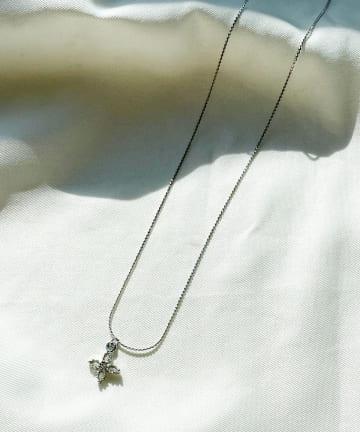 Lattice(ラティス) フラワープチネックレス