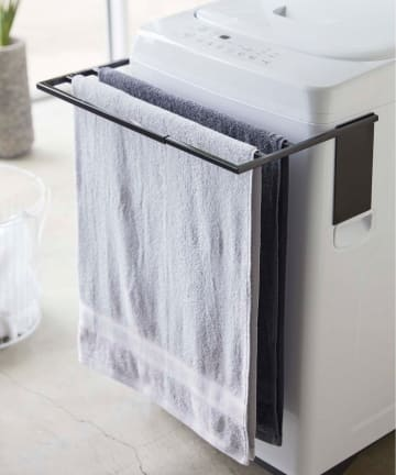 COLONY 2139(コロニー トゥーワンスリーナイン) 【tower/タワー】マグネット伸縮洗濯機バスタオルハンガー