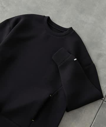 COLONY 2139(コロニー トゥーワンスリーナイン) ダンボールポケット付きクルーネックプルオーバー※ユニセックス対応