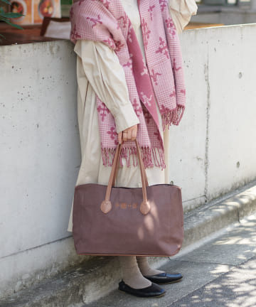 Daily russet(デイリー ラシット) キャンバス刺繍トートバッグ